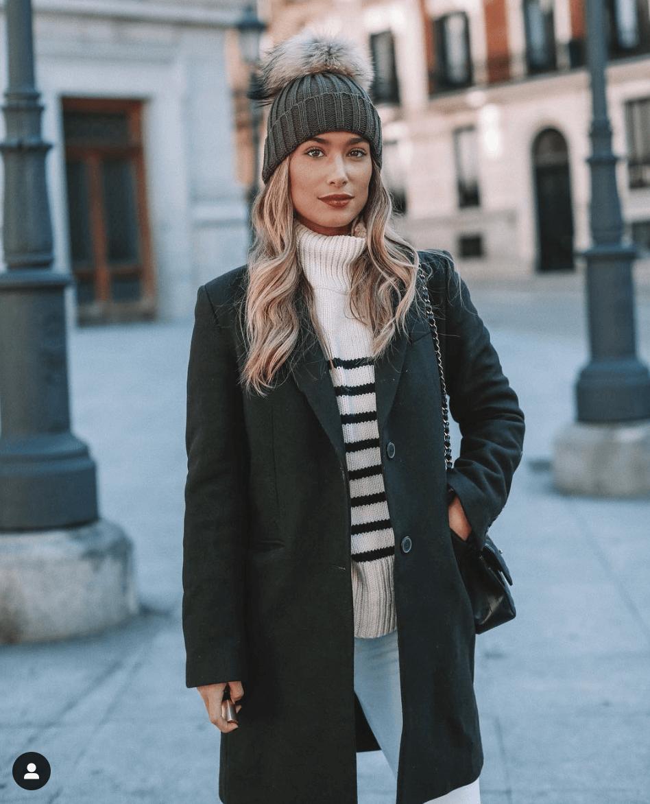 maria pombo jersey a rayas con abrigo y gorro