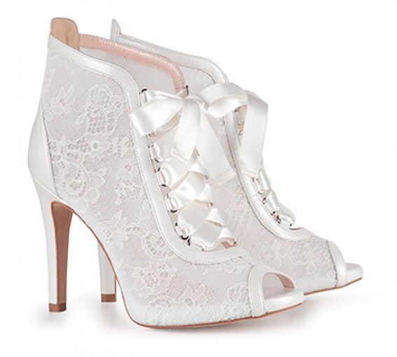 Zapatos perfectos para la boda: botines.
