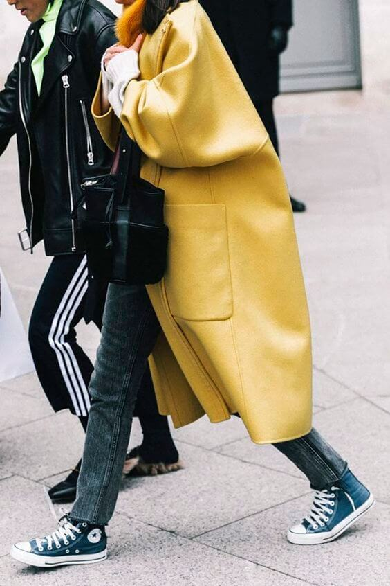 Maxi abrigo amarillo.