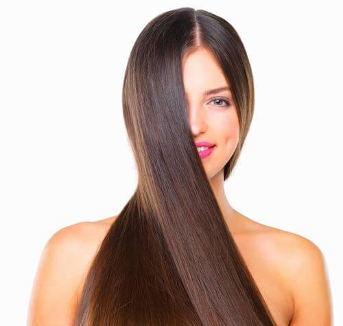 4 tips para alisar el pelo sin dañarlo