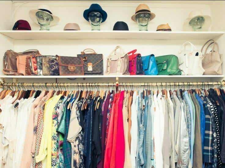 18 trucos infalibles para ordenar el armario