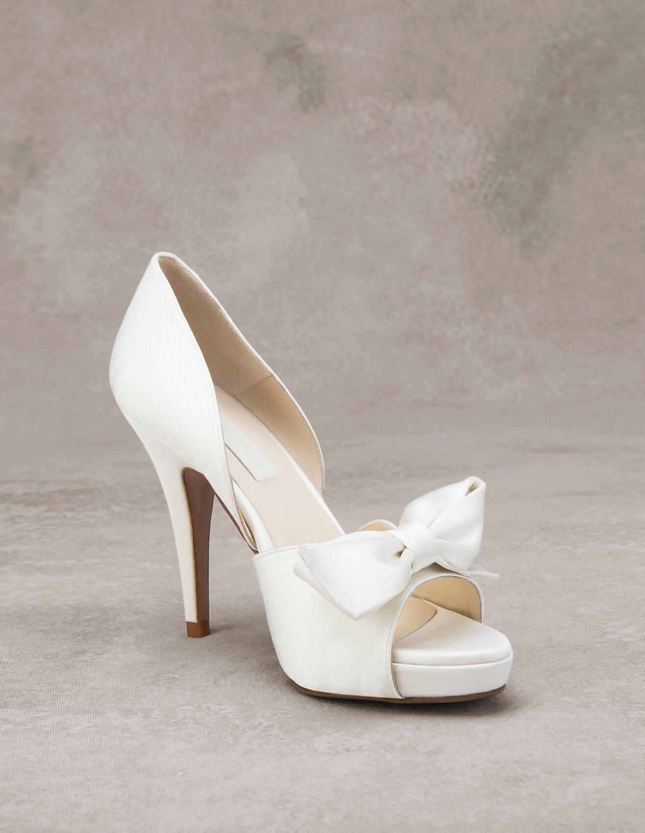 Zapatos perfectos para la boda: D'orsay.