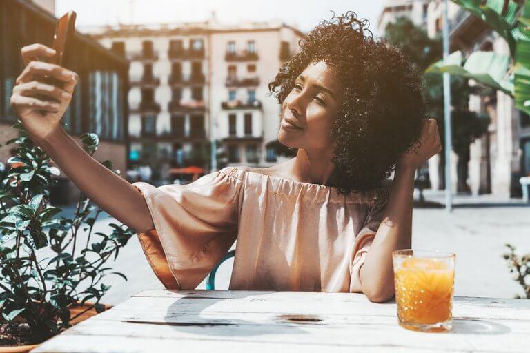 4 mejores posturas para selfies