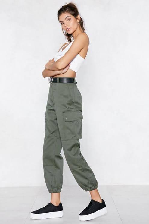 Pantalón cargo: 4 ideas de cómo llevarlo