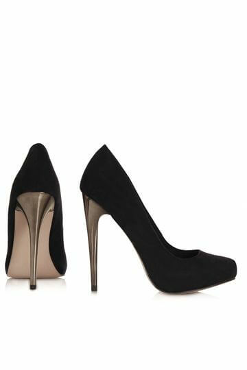 Prendas universales: zapatos o tacones de punta redonda