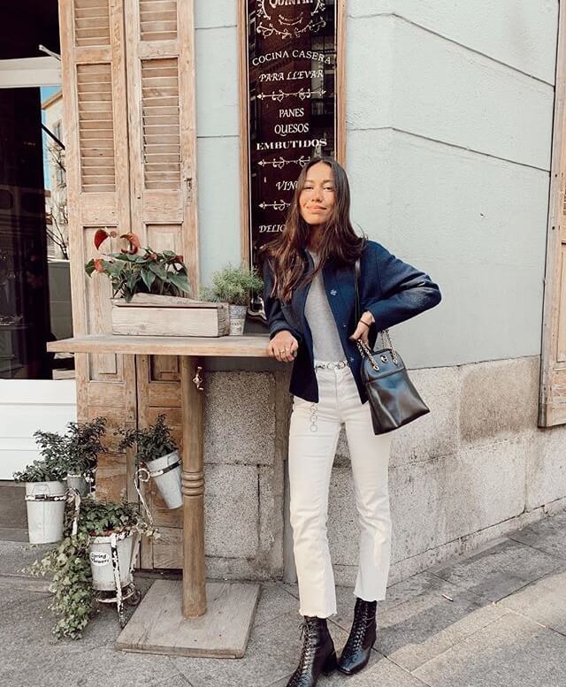 Melissa Villarreal con pantalón blanco