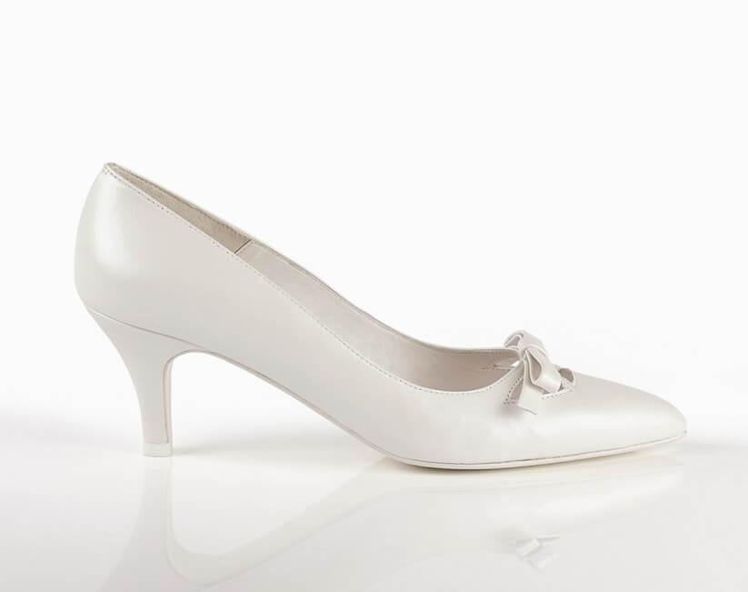 Zapatos perfectos para la boda: kitten heels