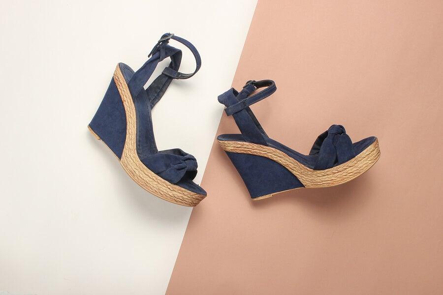Los zapatos de cuña: una tendencia del verano
