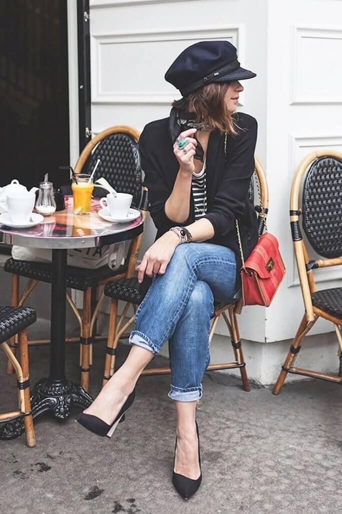 Look al estilo francés con jeans.
