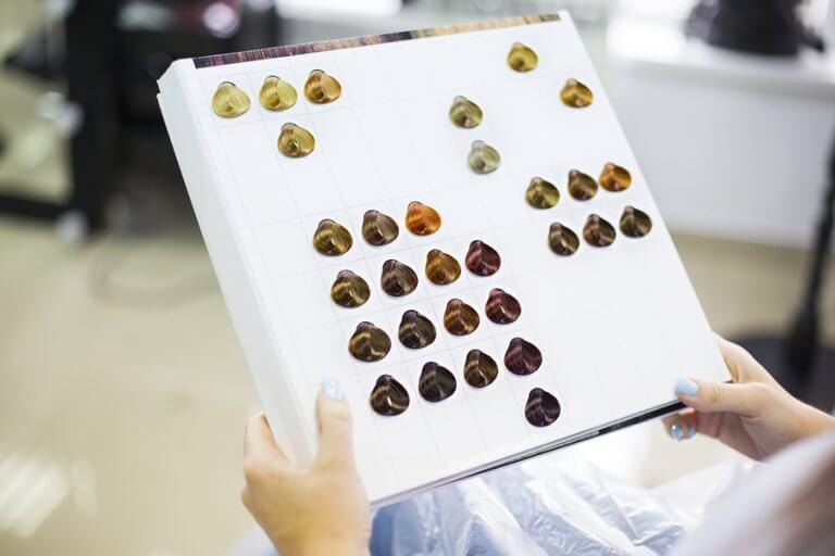 ¿Cómo elegir el color de cabello según tu tono de piel?