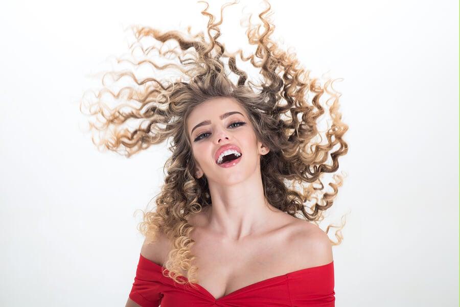 ¿Cómo añadir volumen al pelo?